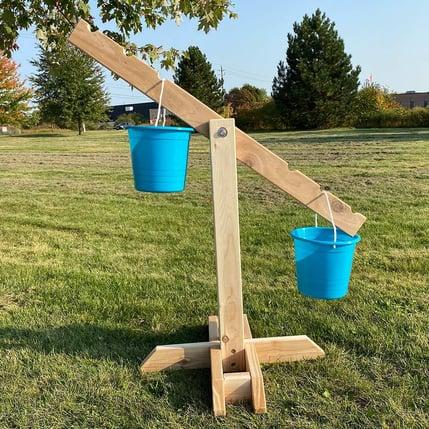outdoor-bucket-balance-scale-by-scholars-choice-031-0044-alt1