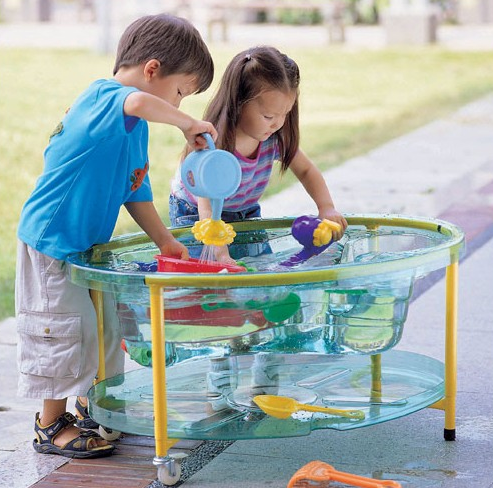How much fun is this clear  Sand and Water Table ?